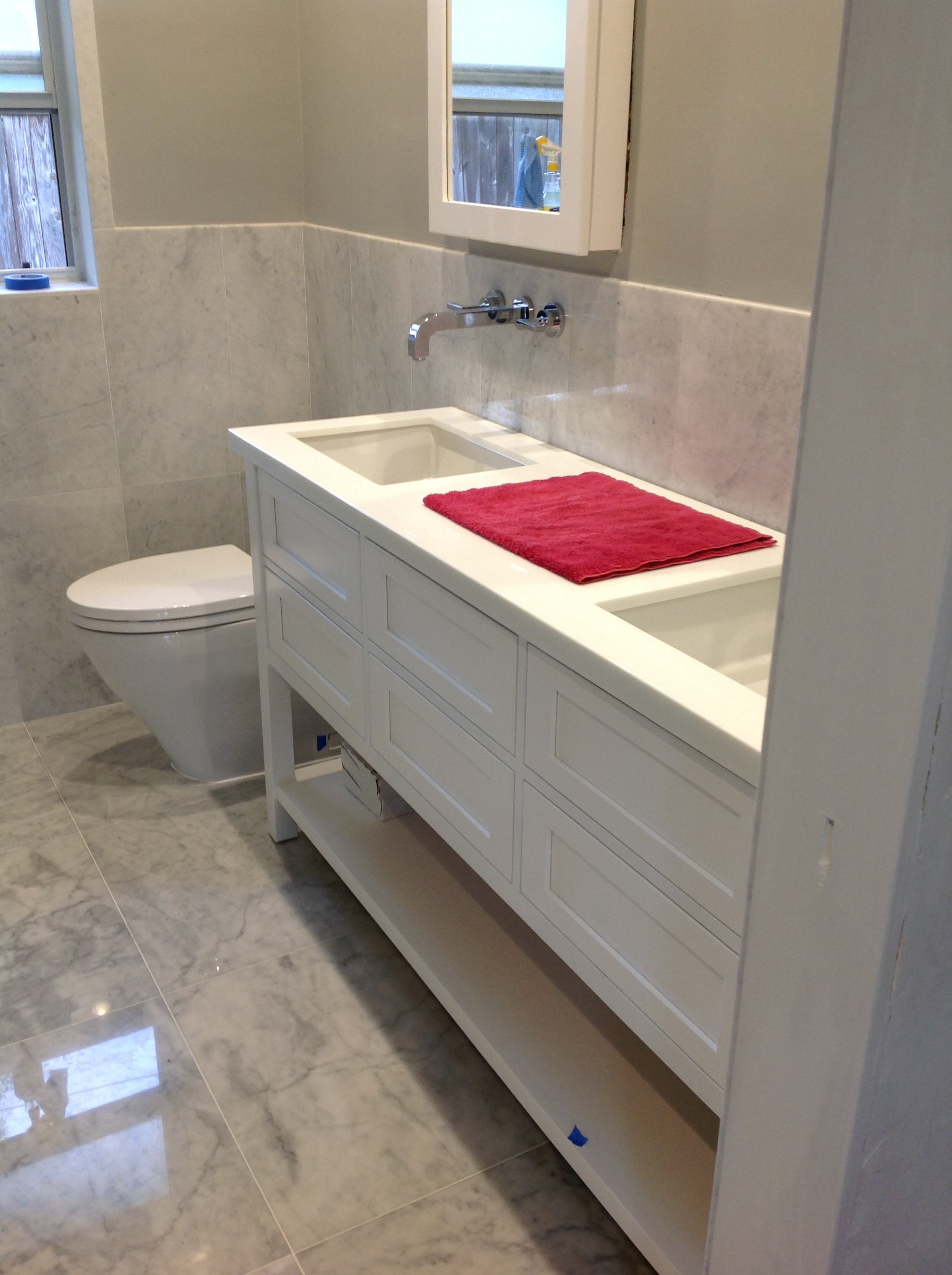 Custom bathroom Cabinets by J&J cabinets of Miami