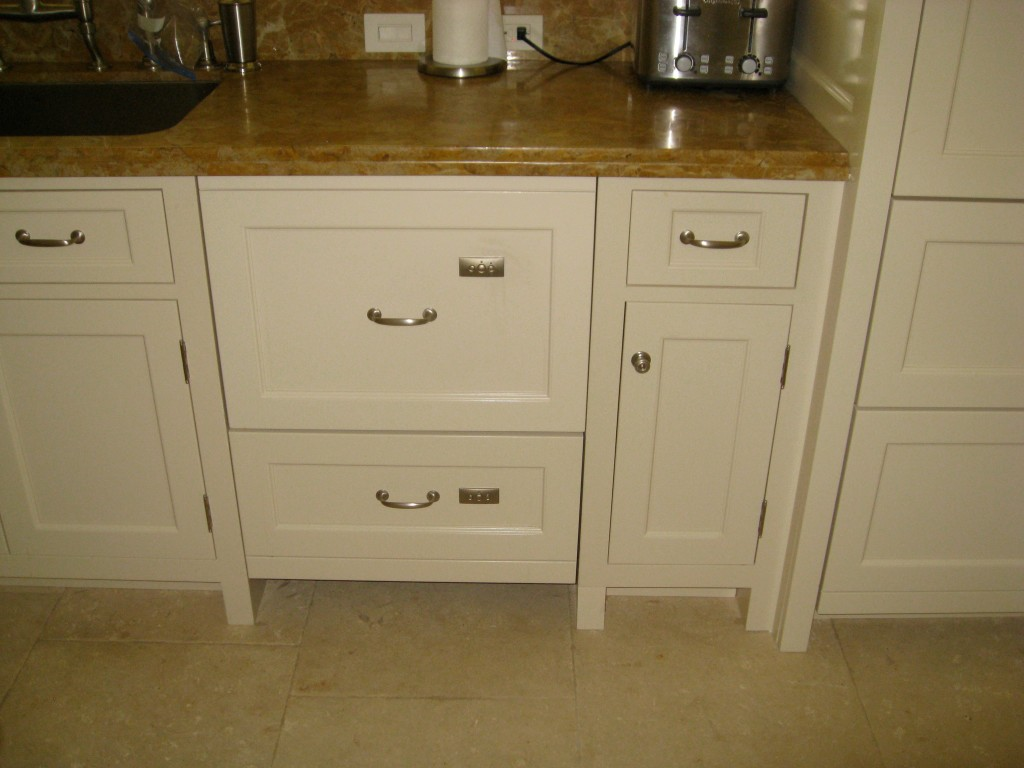 Miami custom cabinets gallery for Custom kitchen cabinets